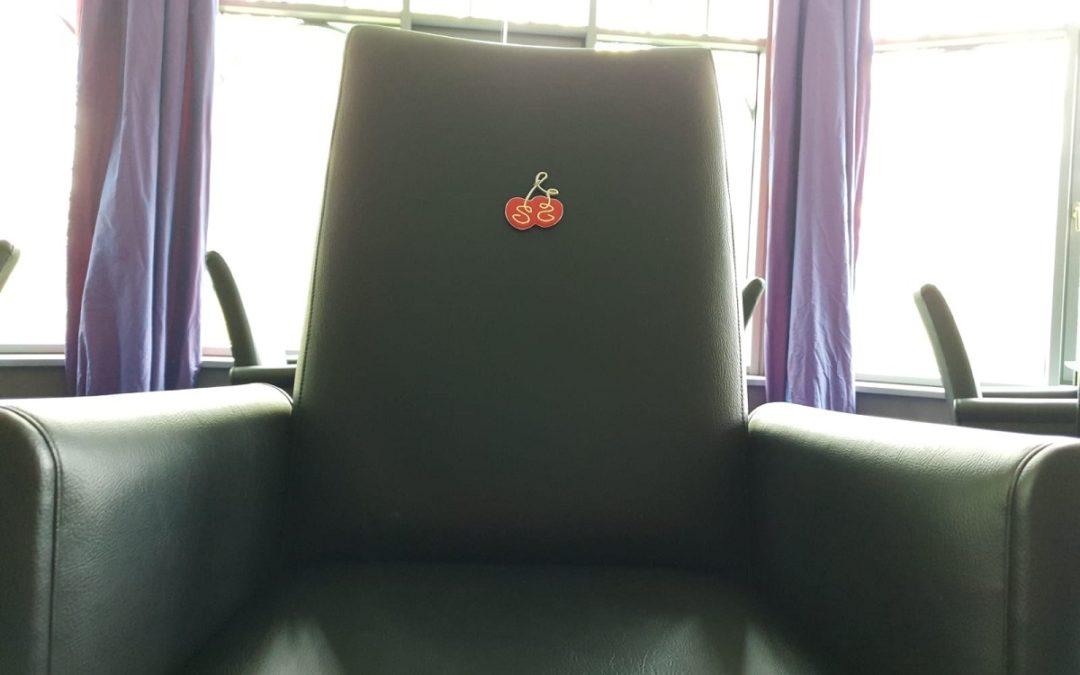 """Leere Stühle"" zum 1. Mai"